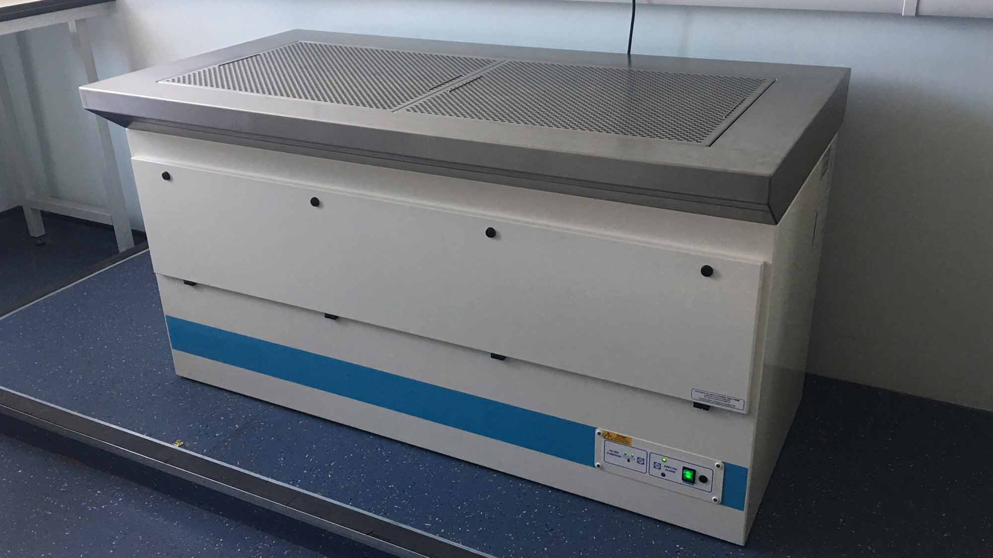UK University Brain Tissue Research Downflow Bench